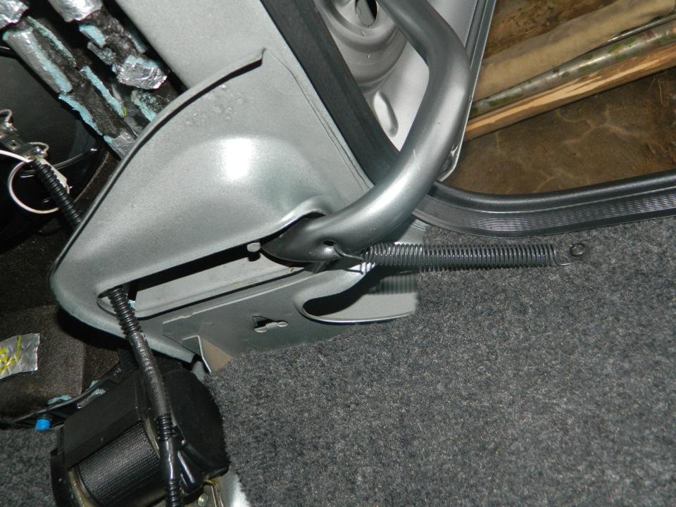 Ланос механизм крышки багажника торсионы