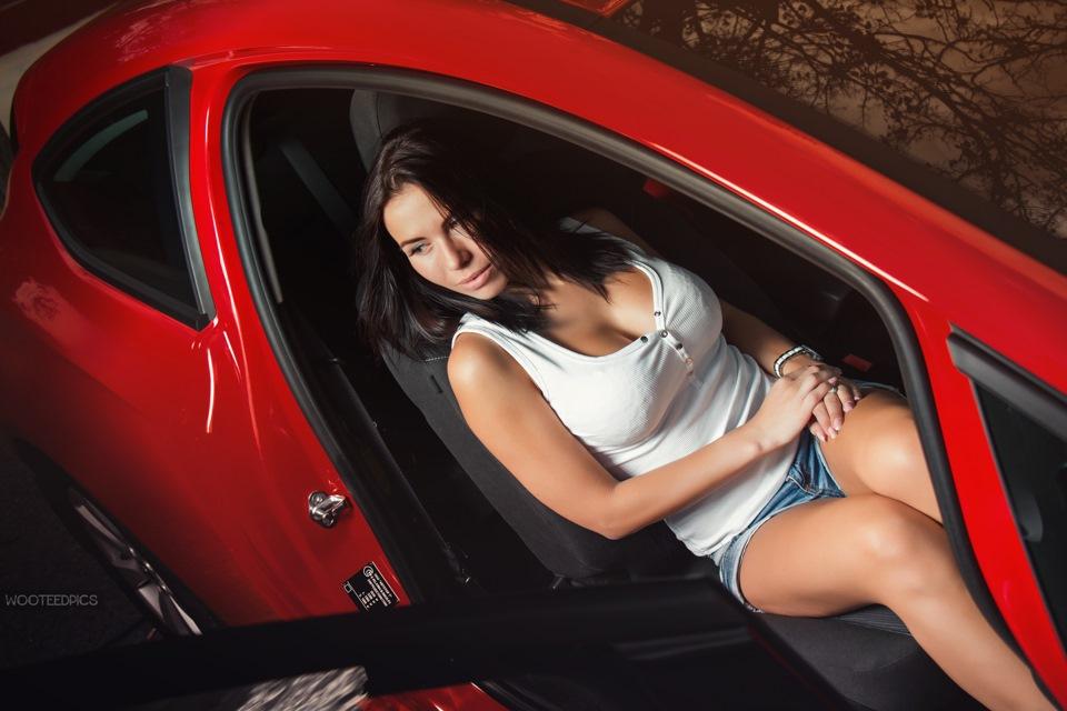 Машины и голые девки фото буду