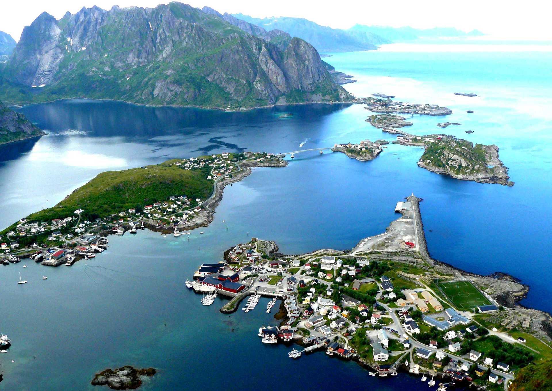 lofoten islands airport - HD1920×1358