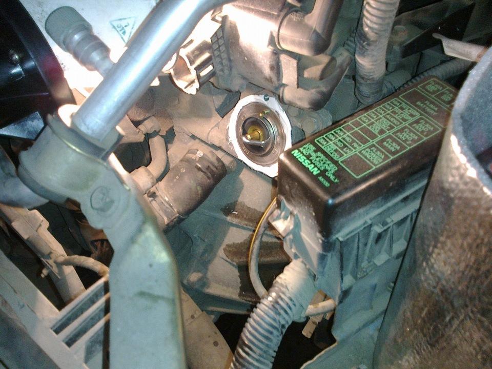 замена термостата nissan bluebird u-14