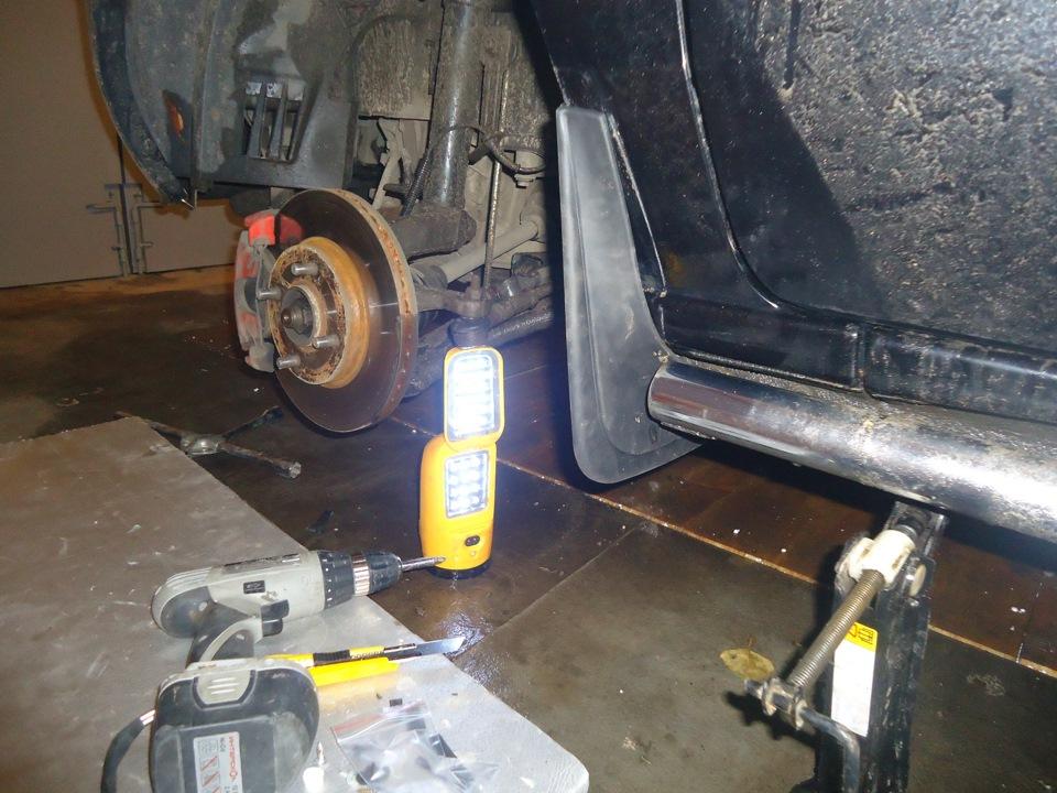 Установка переднего брызговика на форд фьюжн