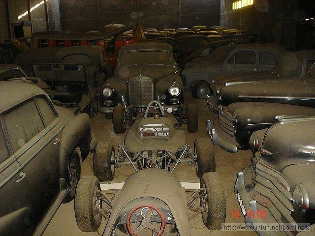 Fiat Topolino II, Triumph TR4, Peugeot 202image015 BMW V8, Formula racers, Chryslers, Mercedes, Austin A30: