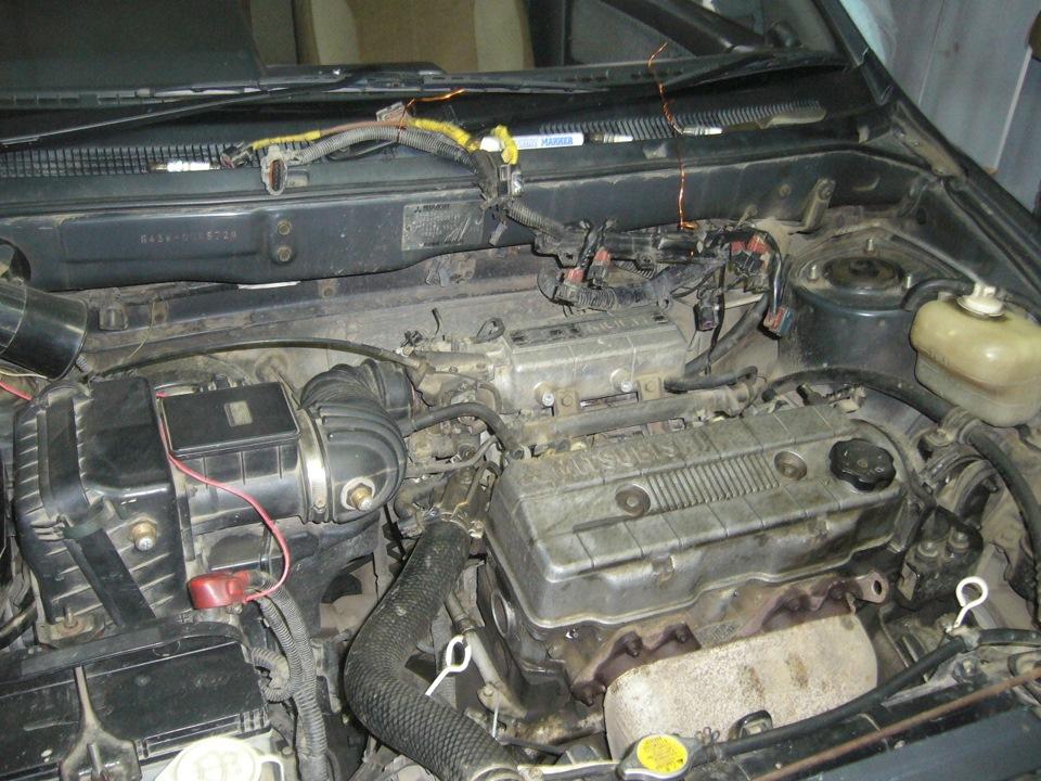 Mitsubishi Chariot 4G63 8v