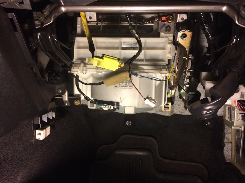 Замена фильтра салона, чистка испарителя кондиционера FX35. - бортжурнал Infiniti FX 2004 года на DRIVE2