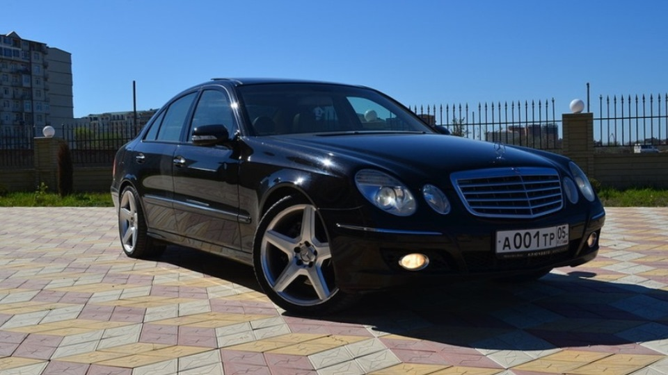 Mercedes benz e class e500 4matic designo owner review for Mercedes benz e class e500