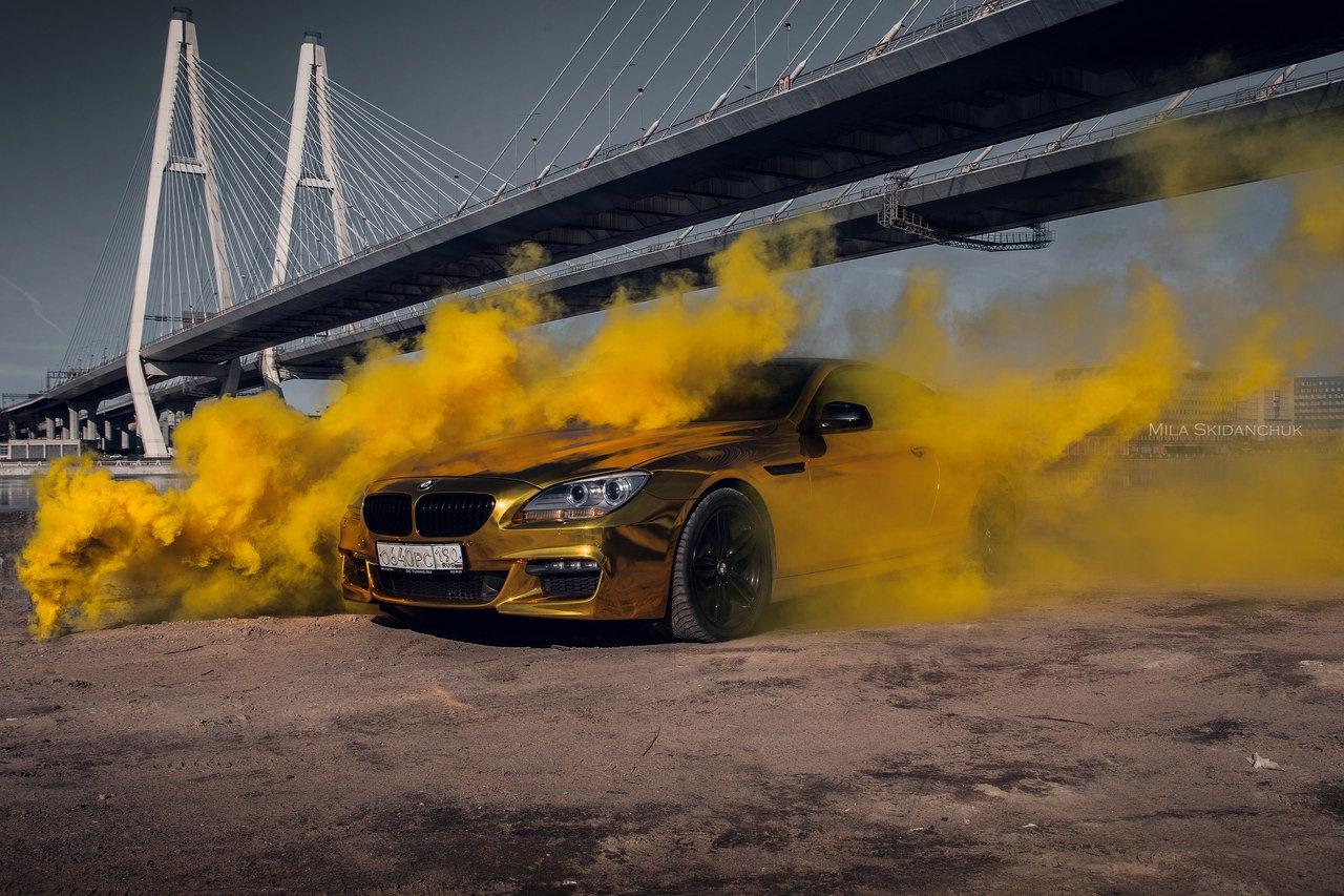 фото машины в дыму решением будет расположение