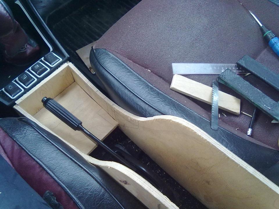 Фото №1 - как сделать подлокотник на ВАЗ 2110 своими руками