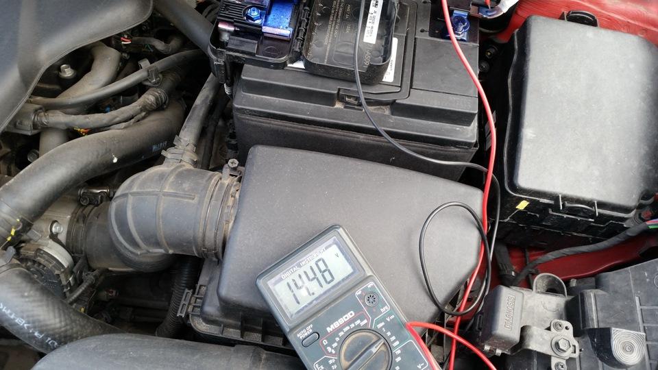 Как в машине найти что сажает аккумулятор 70
