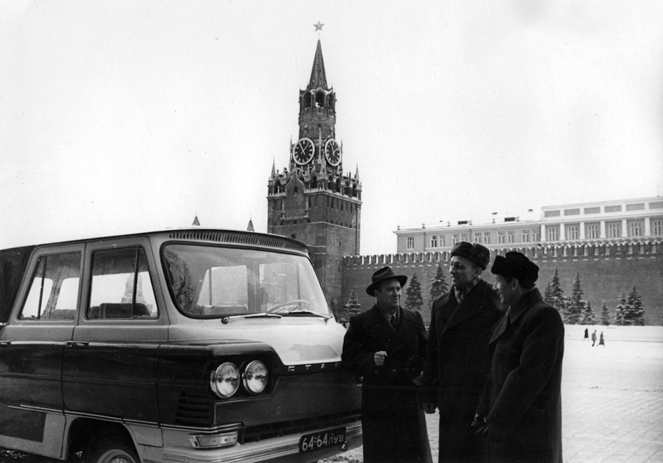 Приехал в Москву и сразу всех покорил! Ай, малаца…