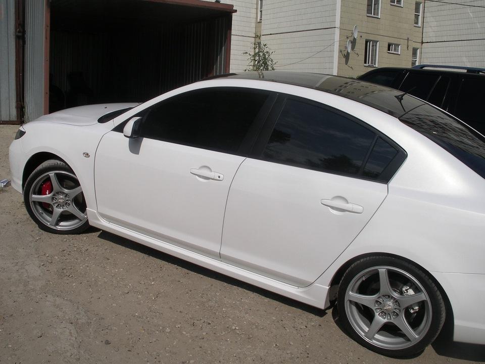 белый перламутровый цвет машины фото