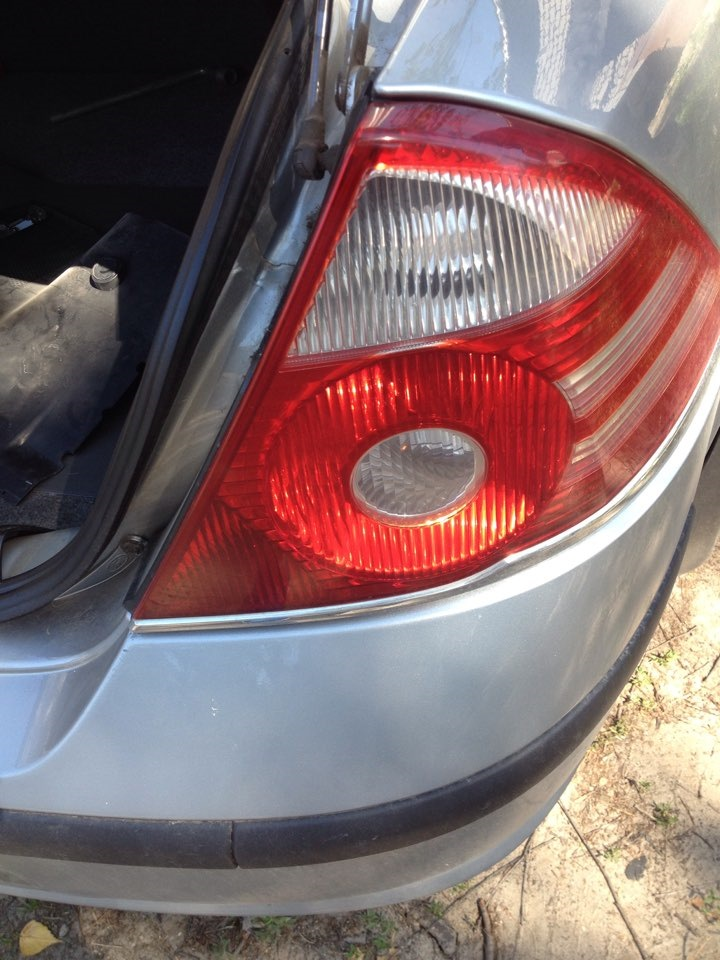 Замена лампы габаритного фонаря форд мондео Замена тормозной жидкости мазда 3 2008