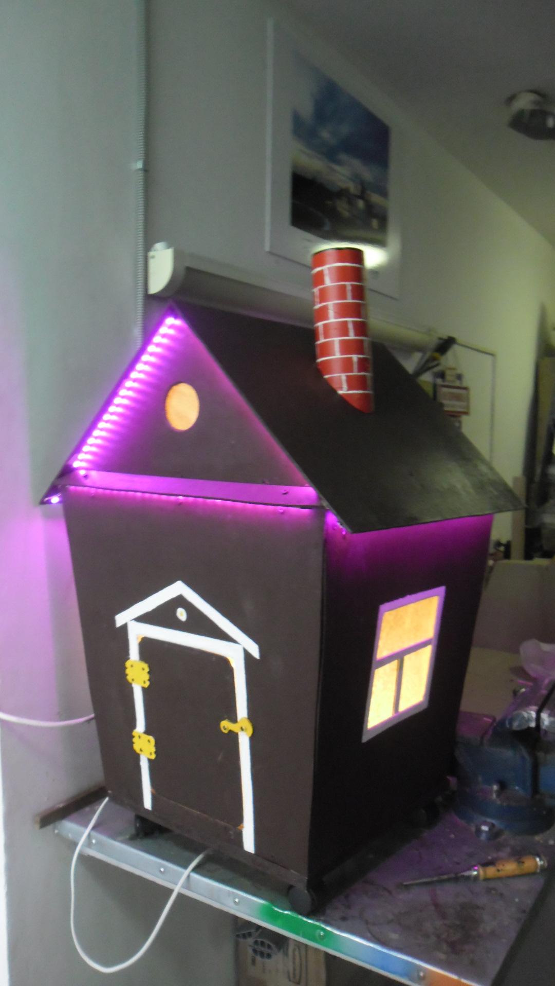 Как сделать подсветку для домика