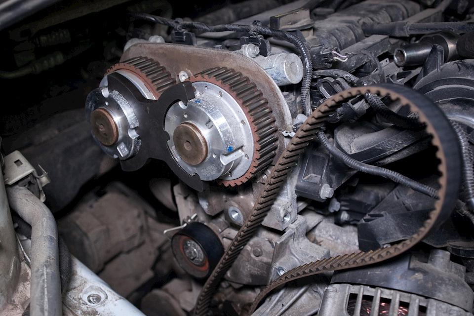 Фиксация муфт распределительных валов Ford Focus III