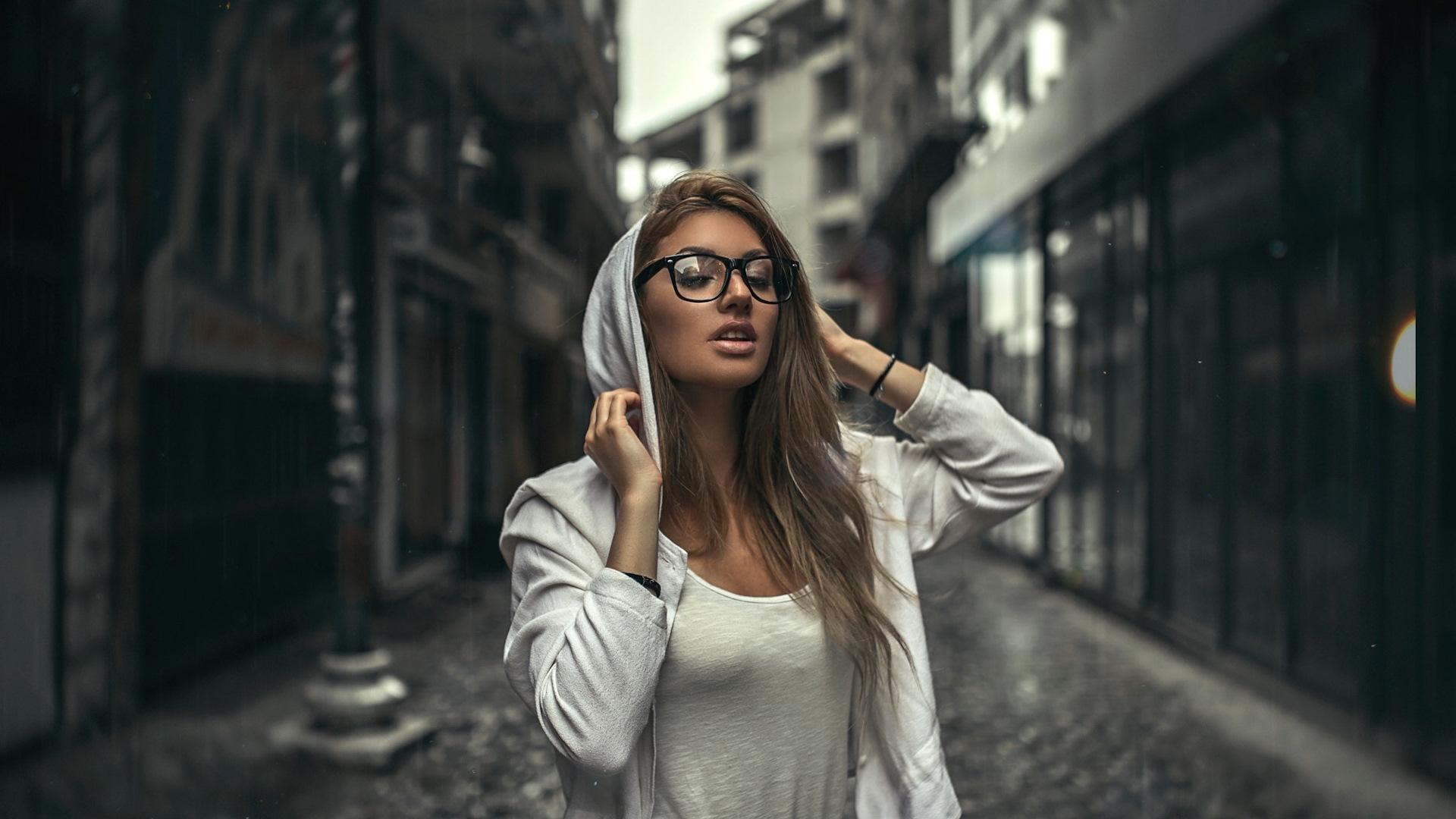 Правда что девушки в очках очень сексуальны