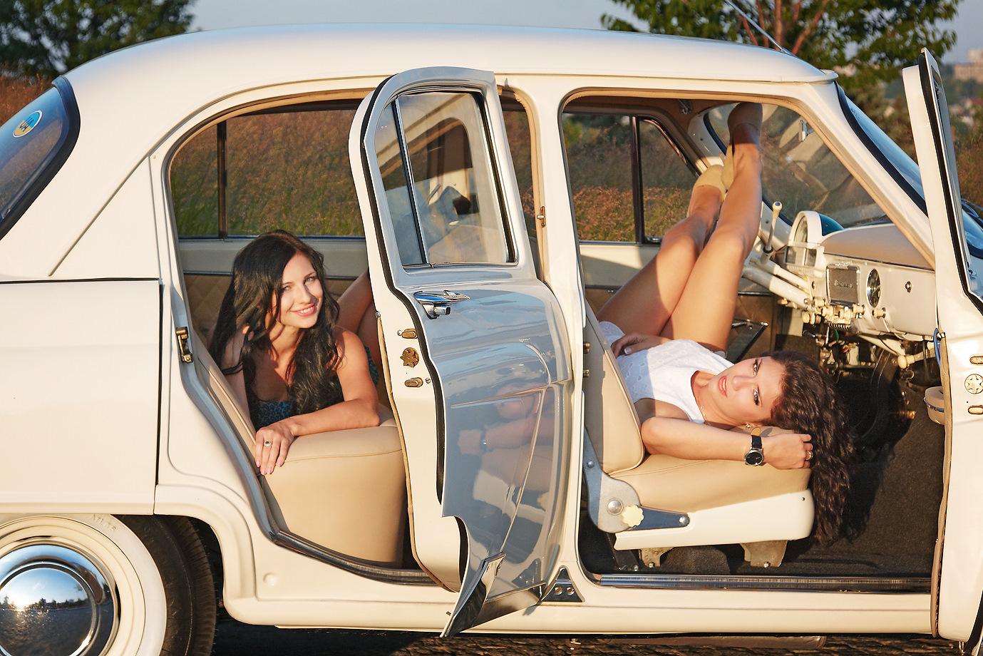 Фото секса в машинах, Секс в машине со шлюхой (26 фото) 10 фотография