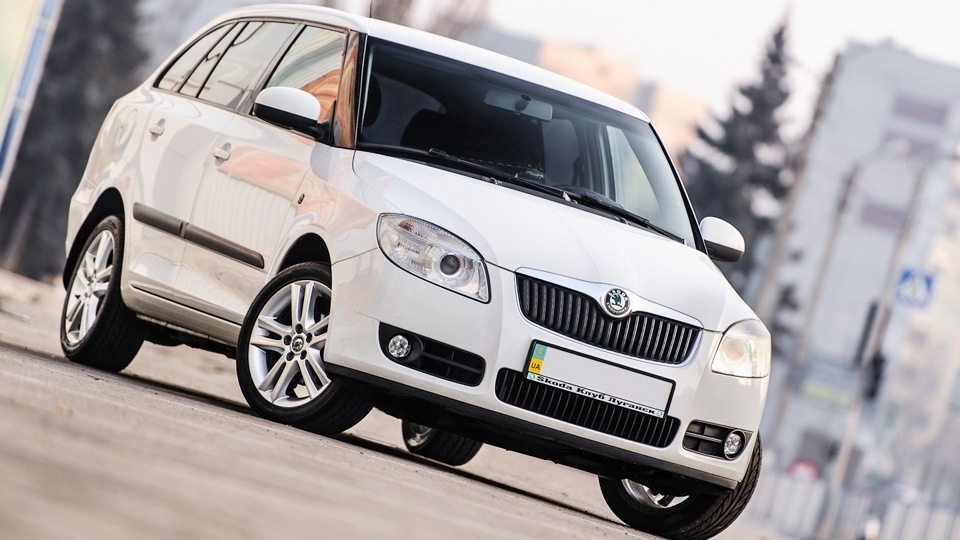 skoda fabia combi white candy drive2. Black Bedroom Furniture Sets. Home Design Ideas