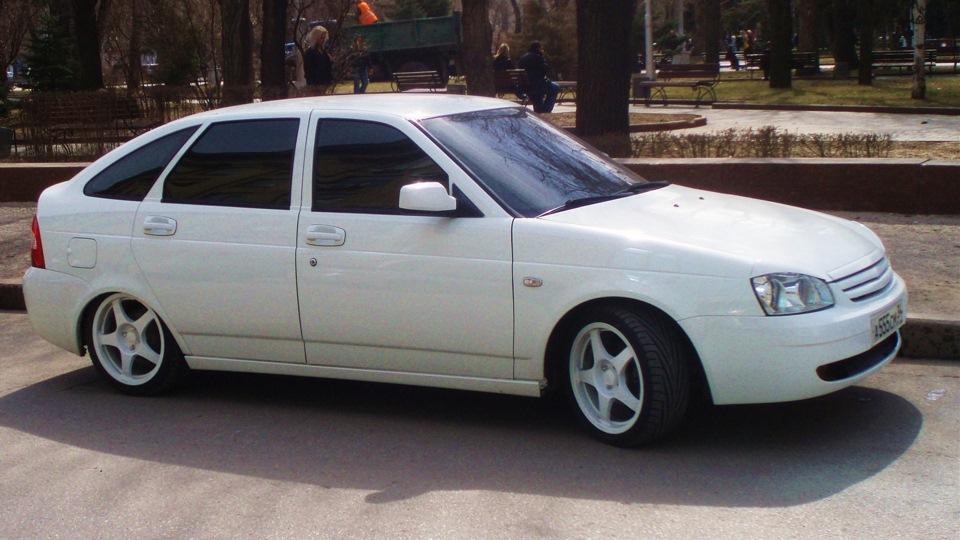 Лада Приора Хэтчбек Белая-белая   DRIVE2: https://www.drive2.ru/r/lada/4062246863888242771/