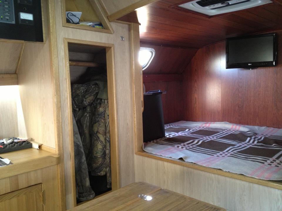 фото небольшой жилье на базе военного кунга фото здесь