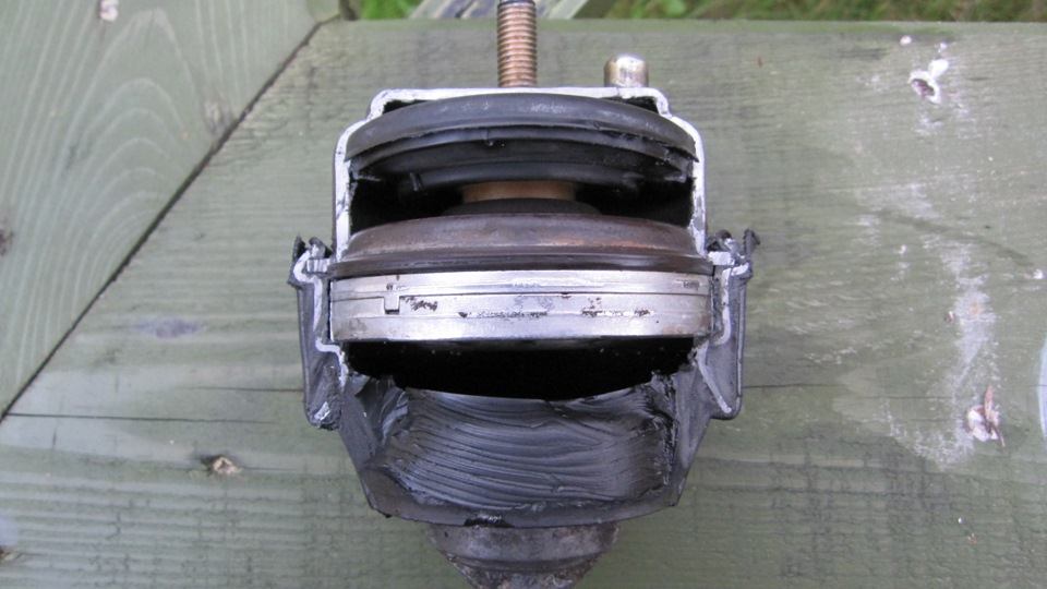 двигатель вольво в разрезе фото