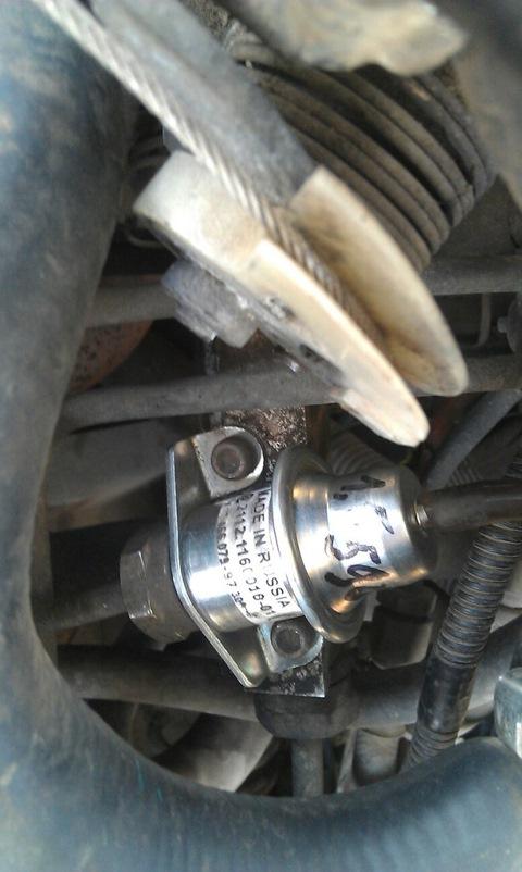 Фото №36 - замена регулятора давления топлива ВАЗ 2110