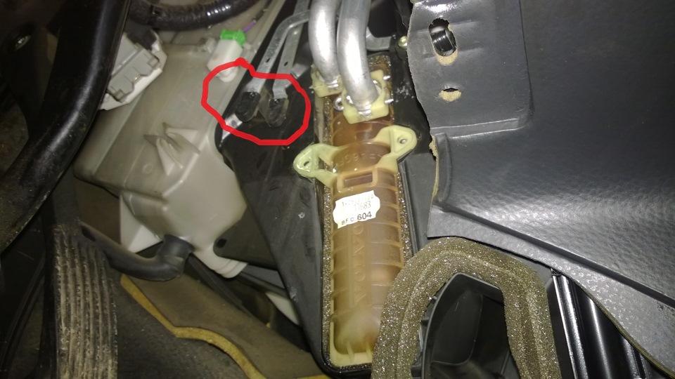 радиатор печки вольво s80 как поменять