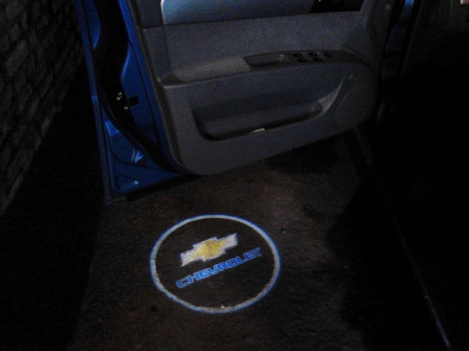 лазерная проекция логотипа авто: