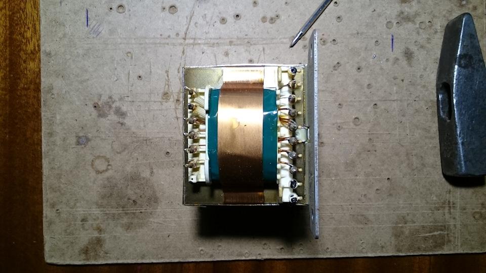 Трансформатор 220 на 12 вольт для автомагнитолы