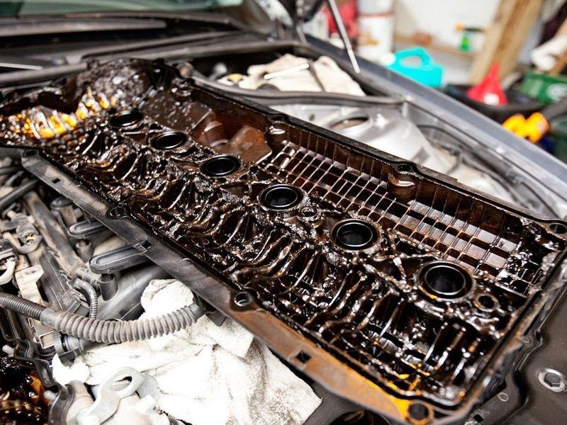 Двигатель в котором не меняли масло фото