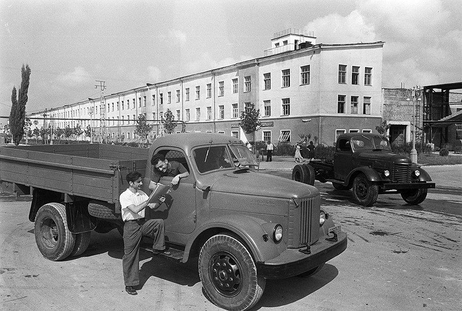 автомобиль Колхида, КАЗ 608, 606, 605: фото и характеристики грузовиков