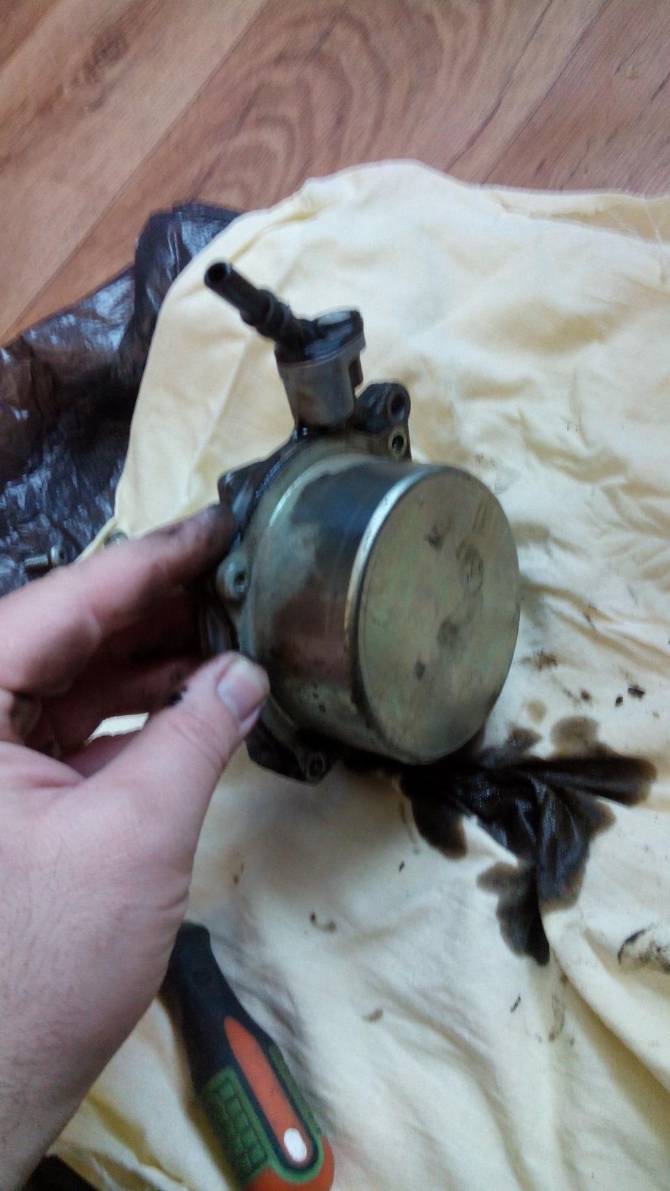 замена вакуумного насоса на двигателе m57 bmw e39 своими руками