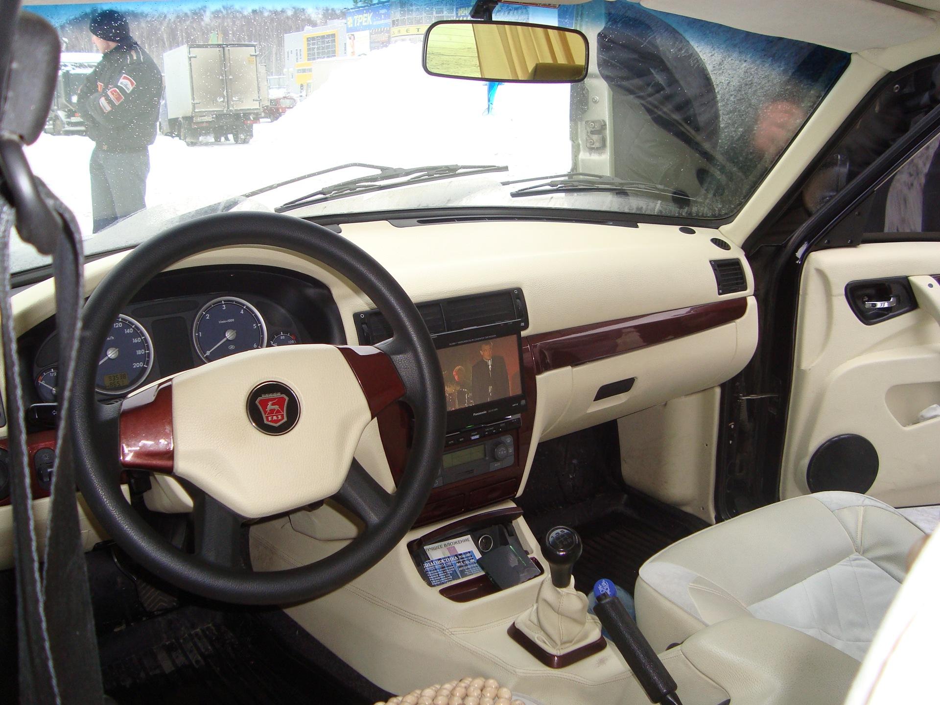 Тюнингованный салон ГАЗ-31105