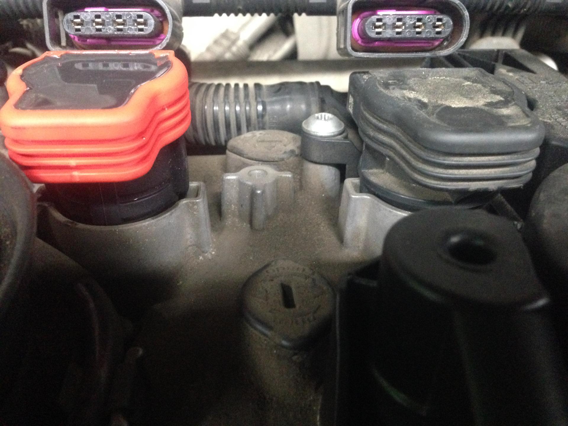 Свечи Denso VK22 иридий+платина — Volkswagen Tiguan, 2 0 л