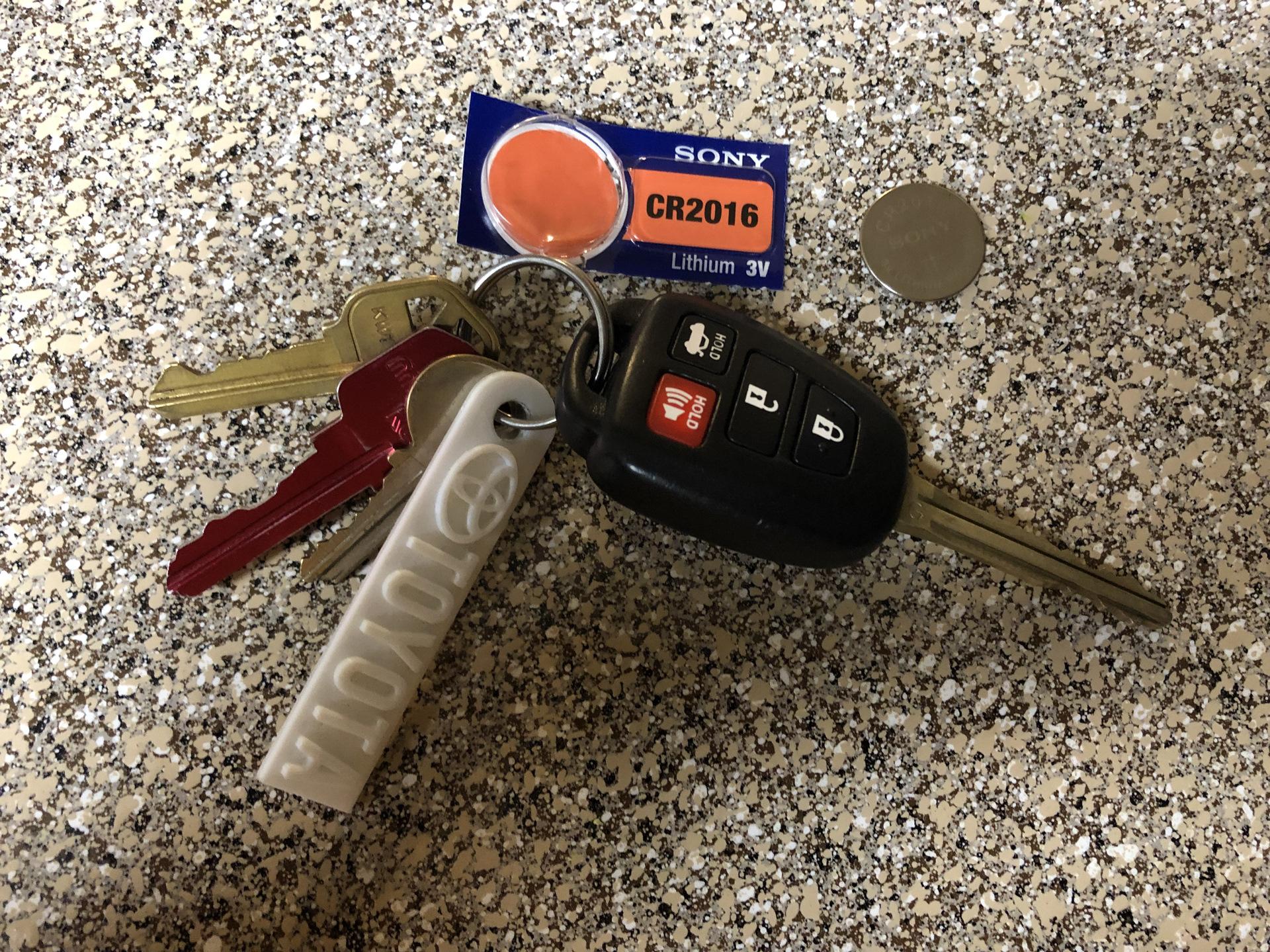 toyota hairs батарейка в ключе