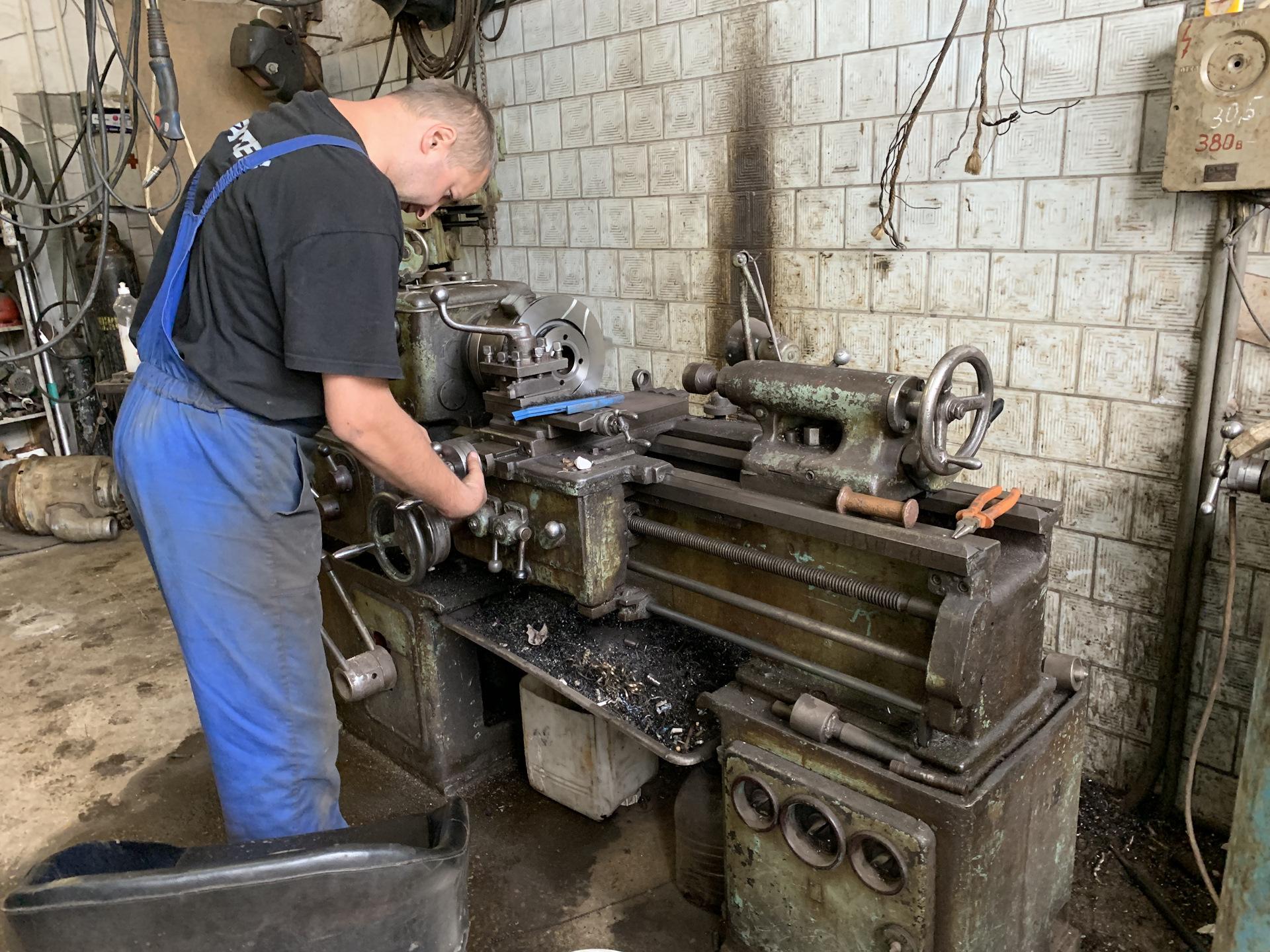 фотографиям, фото мастерских токарный цех частного сектора вакх бог виноградарства