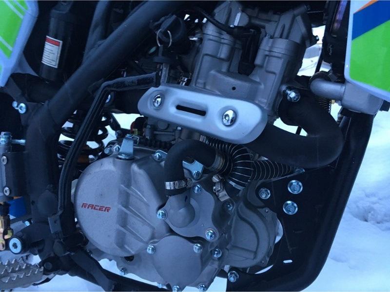 Китайский кроссовик с водяным охлаждением Racer SR-X2 Cross X2