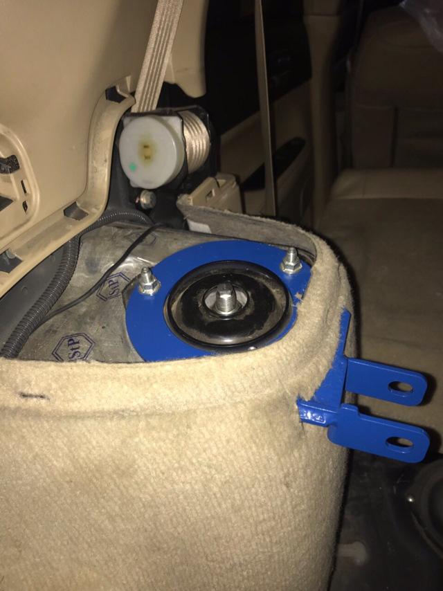 Лампочки в дырки багажника