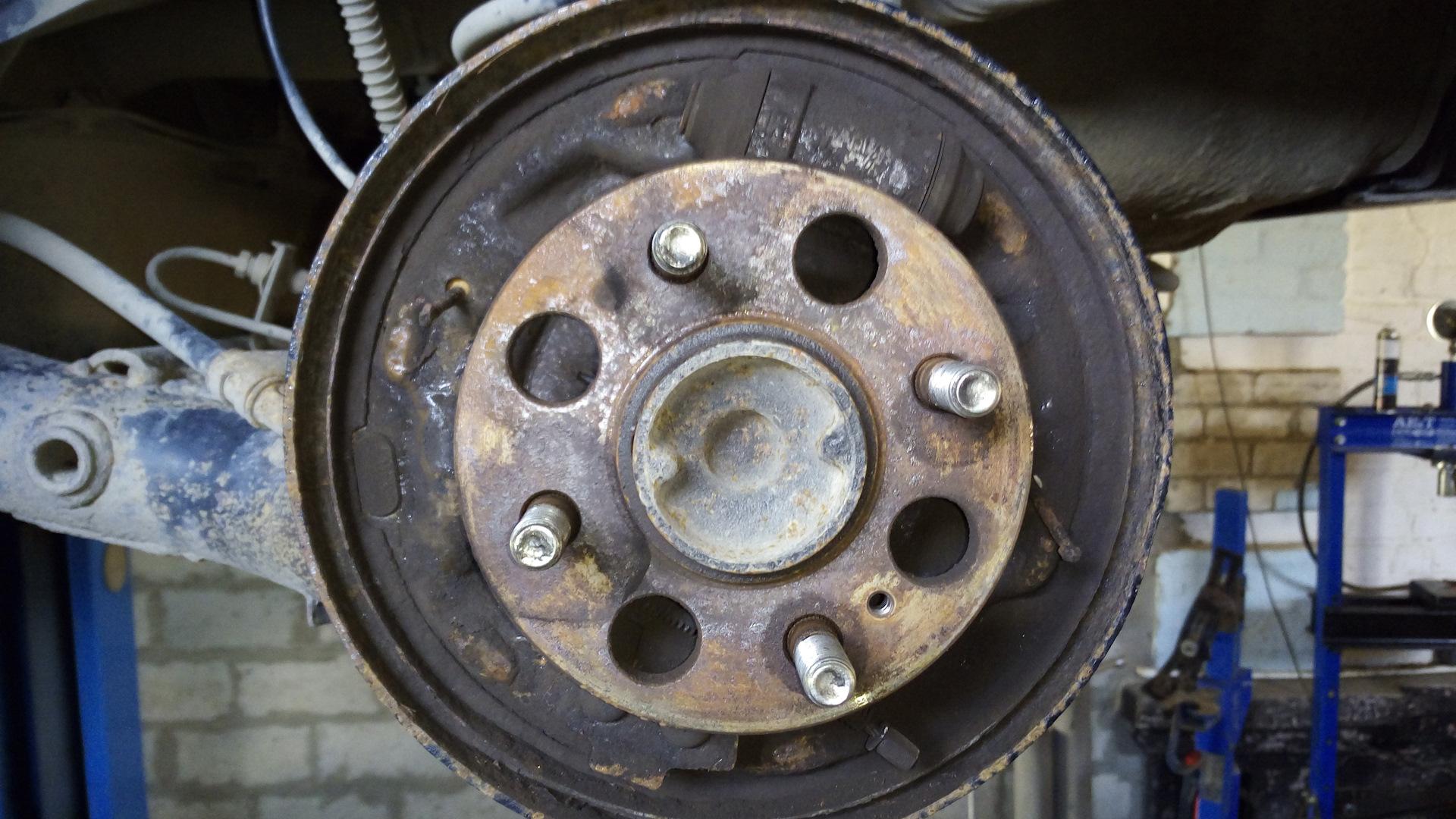 Замена тормозного барабана getz drive Замена заднего тормозного цилиндра qx 56