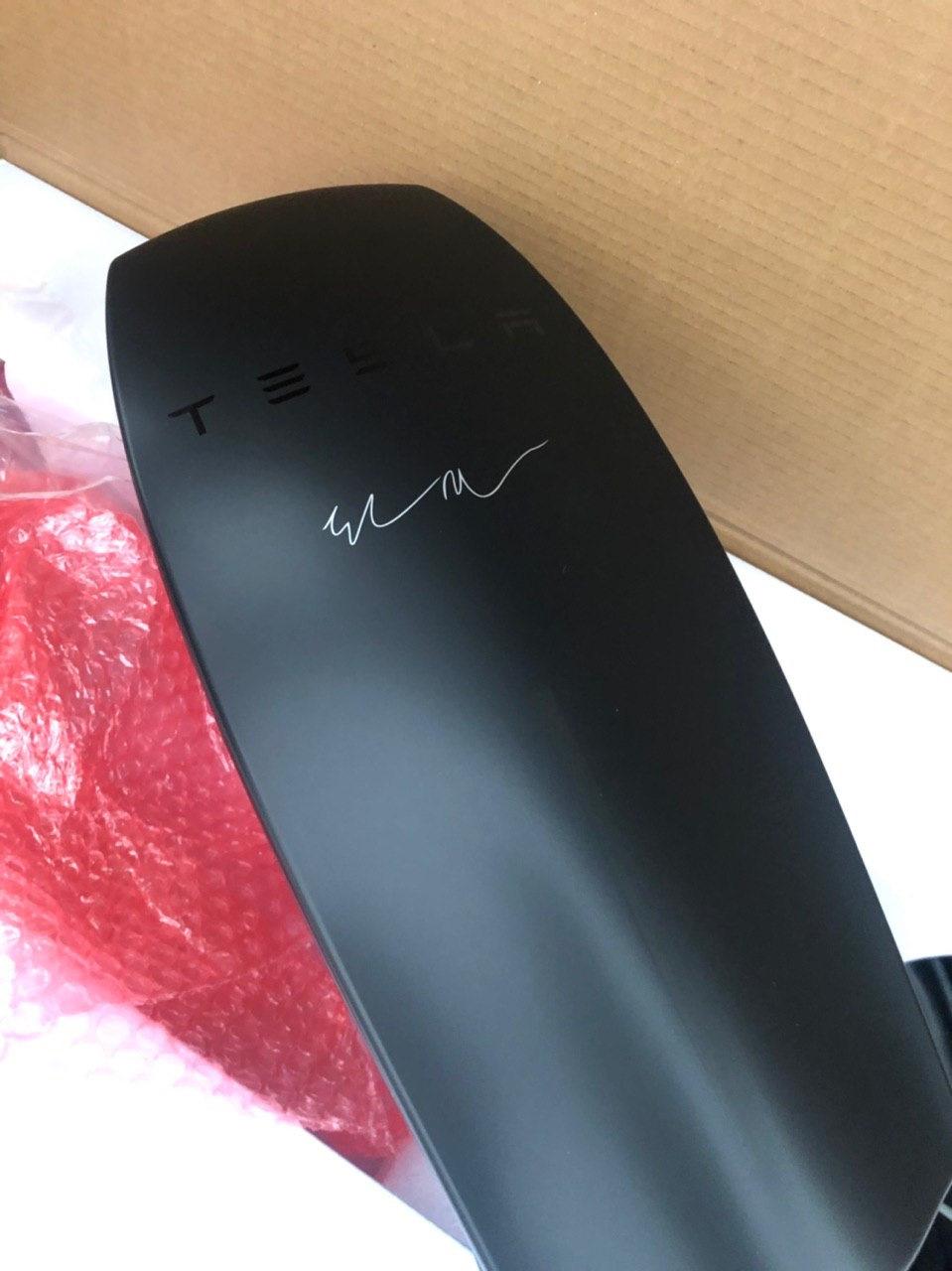 Европейская зарядка signature black :) — Tesla Model X, 2016