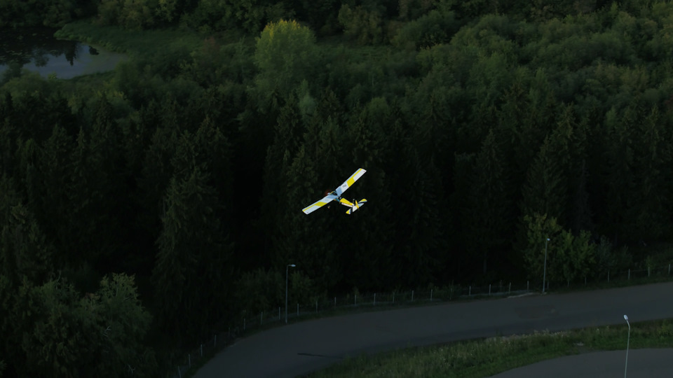 Самолет своими руками из подручных материалов