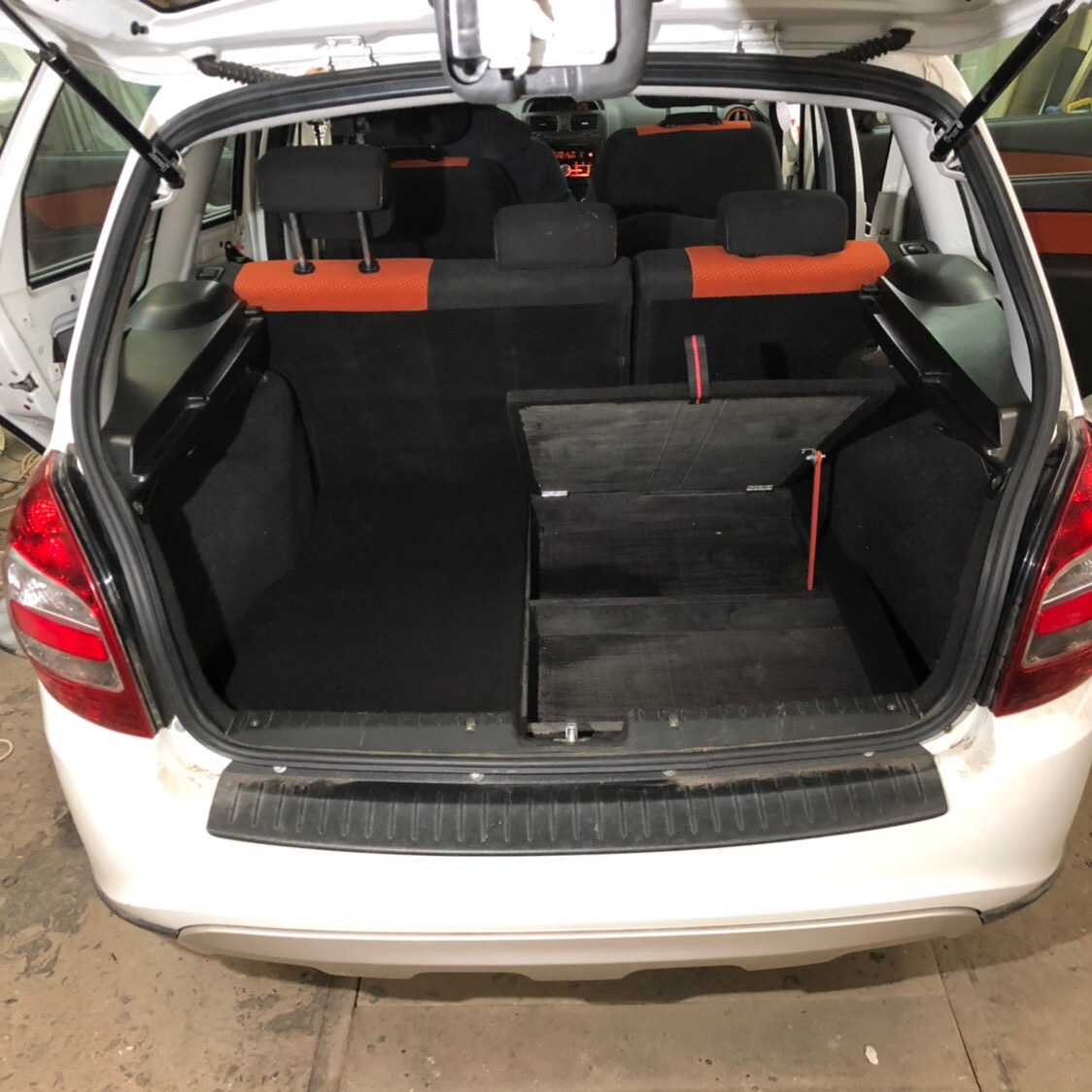составлении калина кросс фото салона багажника гараже нише