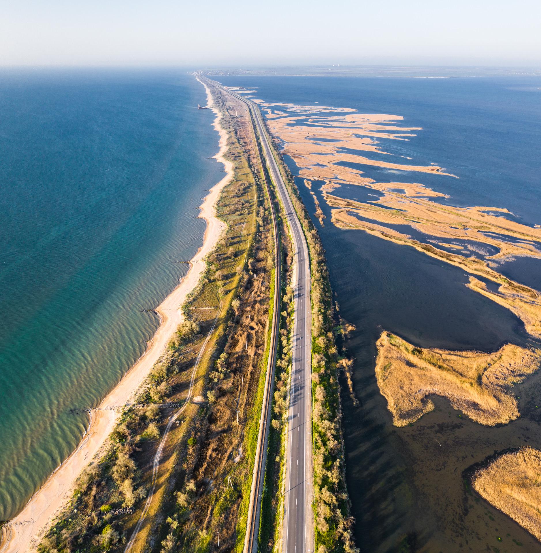 Пересечение черного и азовского морей фото