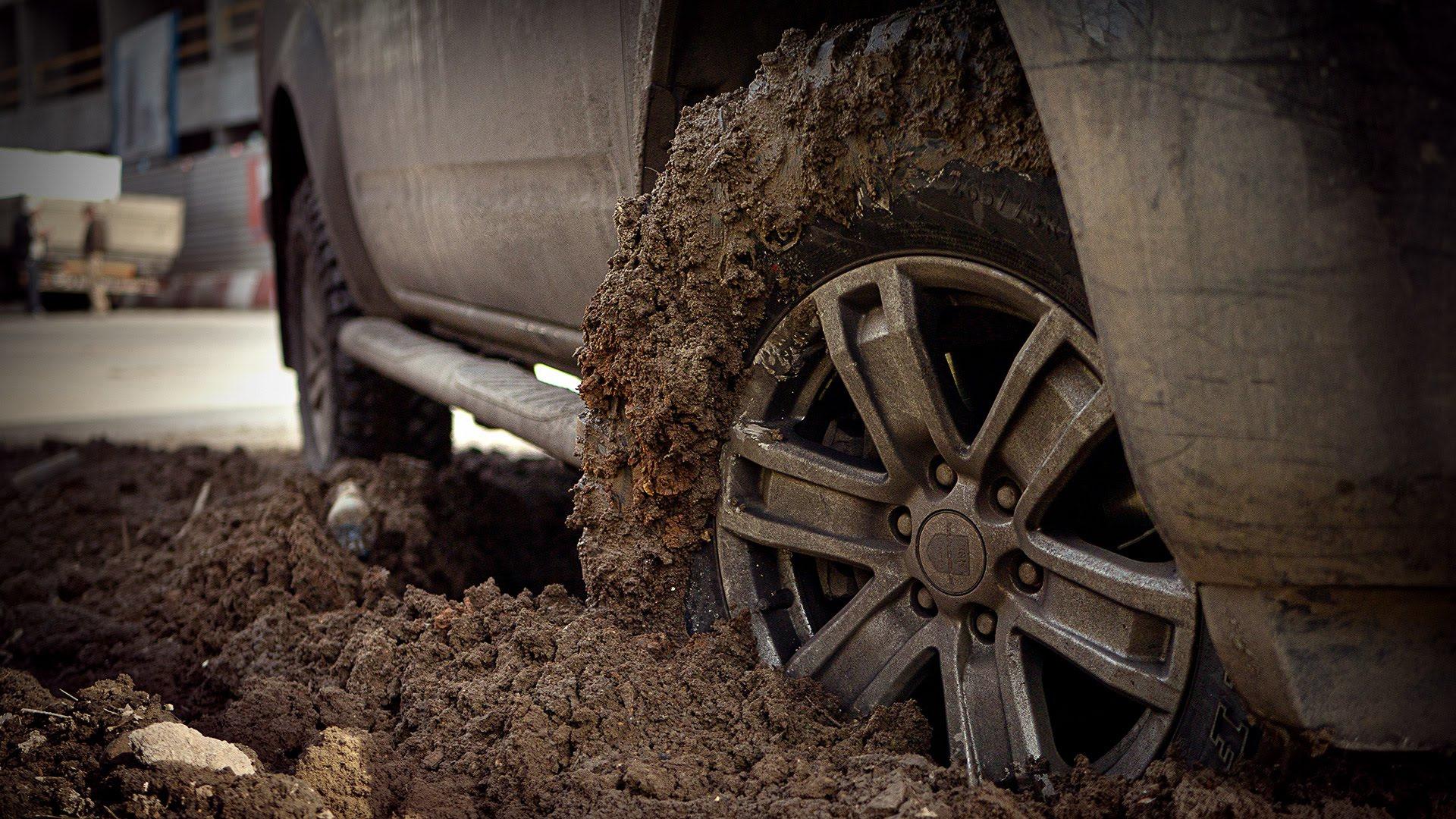 Новое колесо хапануло грязи )))